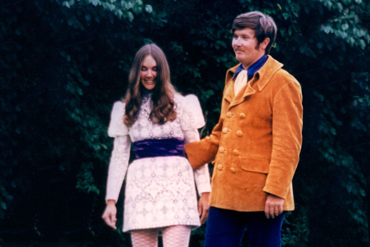Ron and Anne Mellor on their wedding day dressed in 60s clothing